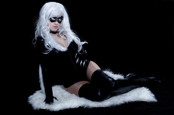 Black Cat Laying 8x12
